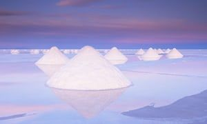 Electric car boom fuels interest in Bolivia's fragile salt flats - Salt deposits at Salar de Uyuni, Bolivia