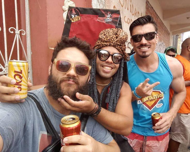 #trioternura #parceria  Um gordo um Afro e um modelo... #carnaval #carnival #brazil #festafantasia #costumeparty #happytime #friends #alangarner #carlinhosbrown #caiocastro #cosplay #instamoment #instagramers #like4like #hangover #thevoice