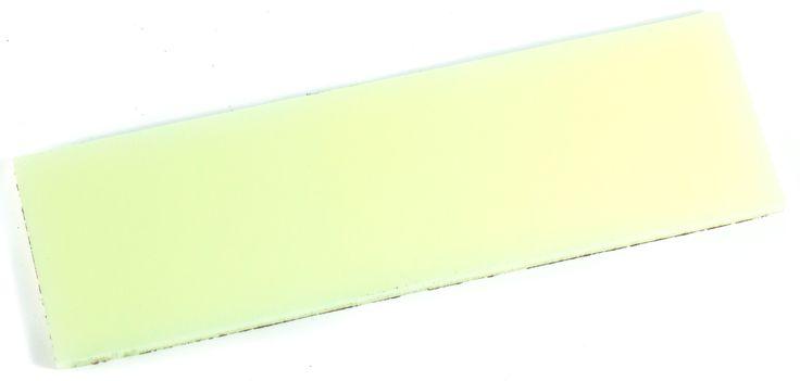 Kirinite Starlight Glow Griffschale dünn | glow in the dark (GITD) | Kirinite | Griffmaterialien | Nordisches Handwerk Onlineshop