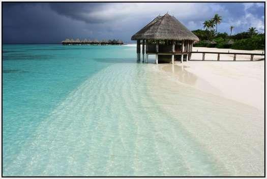 The Maldives.Vacations Spots, Tropical Vacations, Maldives Beach, Tropical Paradis, Beach Vacations, The Maldives, Maldives Islands, Honeymoons Destinations, Dreams Destinations