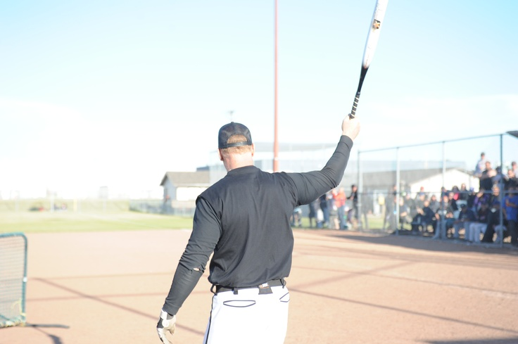Shawn Wallace, brain child behind the Claymore by jak'd, takes the stage as he demos this softball bat