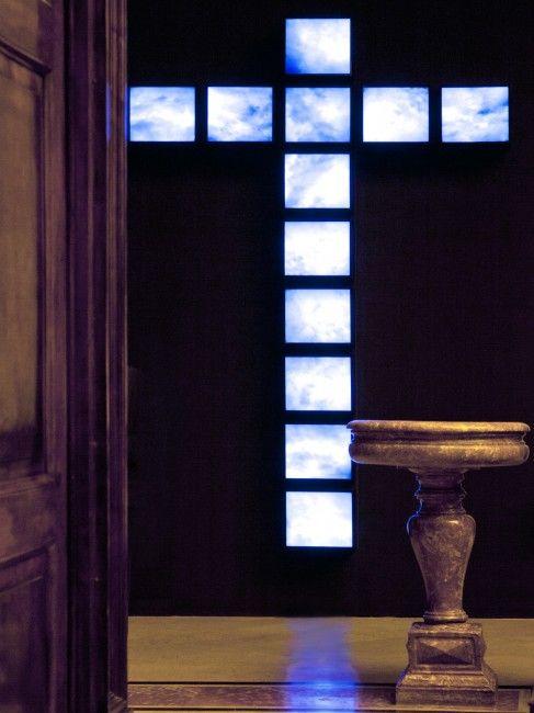 CRUX, installazione di Davide Coltro  in collaborazione con Gagliardi Art System    presentazione sabato 2 marzo, ore 18.30    Chiesa di San Raffaele  via San Raffaele 4 Milano (di fianco al duomo)