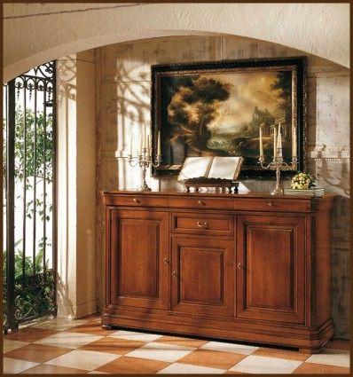 Un aspect clasic, si un stil ce merge in urma cu cateva secole – iata ce ofera unui potential cumparator acest model de comoda din lemn masiv.