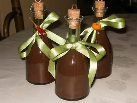 Liquore al cioccolato aromatizzato arancia o peperoncino