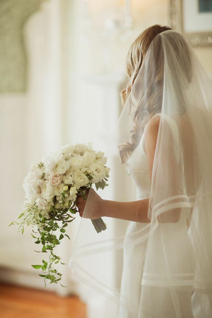 Romantically Fabulous New York Wedding from Binaryflips Photography. To see more: http://www.modwedding.com/2014/09/09/romantically-fabulous-new-york-wedding-binaryflips-photography/ #wedding #weddings #bridal_bouquet