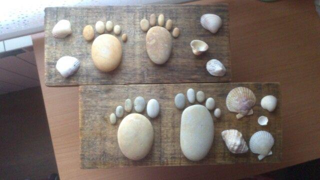 Cuadro hecho con tablas de madera piedras y conchas for Cuadros hechos con piedras