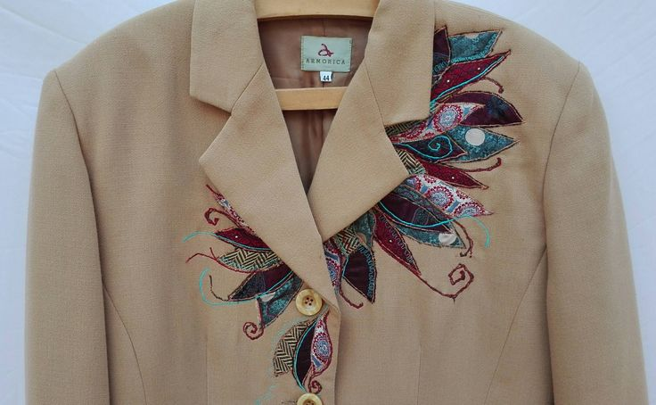 Giacca boho, upcycled giacca,blazer donna, giacca lunga,giacca beige, giacca ricamata, upcycled clothing,giaccone decorato,stoffa riciclata di decorandom su Etsy