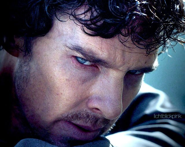 Sooo much hate for Culverton Smith oozing from Sherlock eyeballs @_@