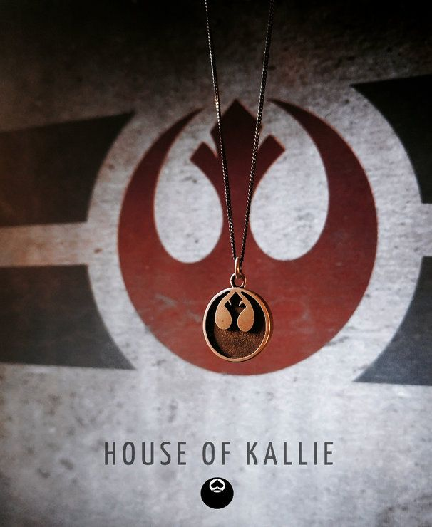 A tribute to the good guys in the star wars universe. The rebel alliance pendant is made from 100% sterling silver and comes on a 45cm sterling silver chain with your option of oxidised black (as seen in pic) or in plain silver, please let us know your preference in the comments section during checkout.