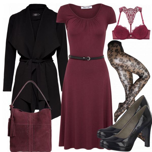 Businessoutfit aus rotem Kleid über den Knien, rotem BH und einer Strumpfhose mit Muster... #fashion #fashionista #mode #damenmode #frauenmode #damenoutfit #frauenoutfit #outfit #outfitinspiration #mode #trend2018 #modetrend