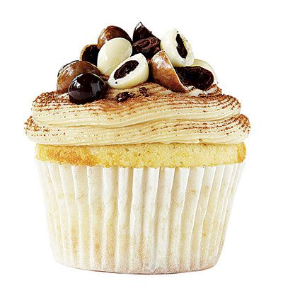 LSU: The Mean Mocha Latte -   Inspiration: The state's famed French Quarter - Start with a batch of Vanilla Cupcake with Cream Cheese Frosting then  beat 1 Tbsp. instant espresso powder into frosting with butter. Garnish with chocolate-covered coffee beans and cocoa.: Cream Cheese Frostings, Vanilla Cupcakes, Coffee Beans, Colleges Football, Cupcakes Recipes, Mocha Latte, Latte Cupcakes, Cream Cheeses, Football Cupcakes