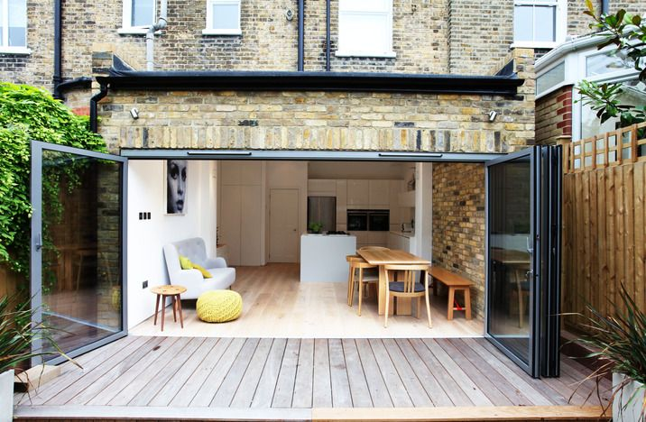 Another London extension - doors all the way opening onto same-level deck. Perfect for protecting against Oxford floods