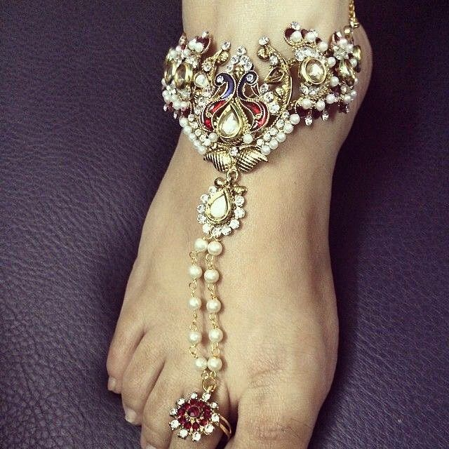 WEBSTA @ getsetwed - Such prettiness 😍#bride #bridaljewellery #anklet #bridalwear # #bridesoutfit #weddingtime #weddingphotography #prewedding  #weddingday #asianwedding #weddinginspiration  #bride #groom  #lehenga #asainbride #bridaldreams #shaadi #indianwedding #indianbride #indiangroom #delhibride #happybride #desiwedding #punjabiwedding #weddingdecor#weddinginvitation #getsetwed #likeforlike #followforfollow