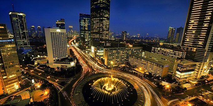 Παλάτια και παράγκες: Ένας πλανήτης… άνισος Τζακάρτα