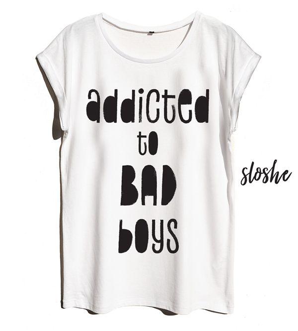 Addicted to bad boys, biały bawełniany t-shirt