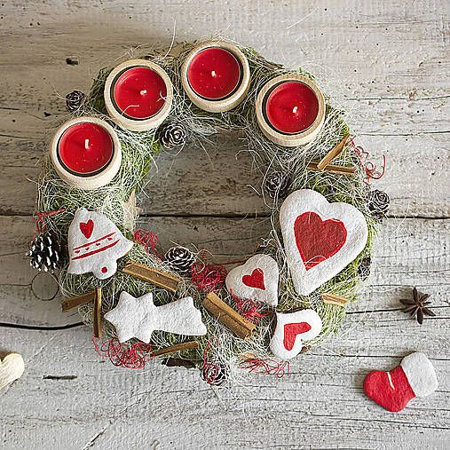 Advent wreath, red and white