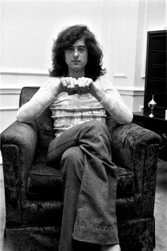 Jimmy Page, Chicago, IL 1975 © Neal Preston