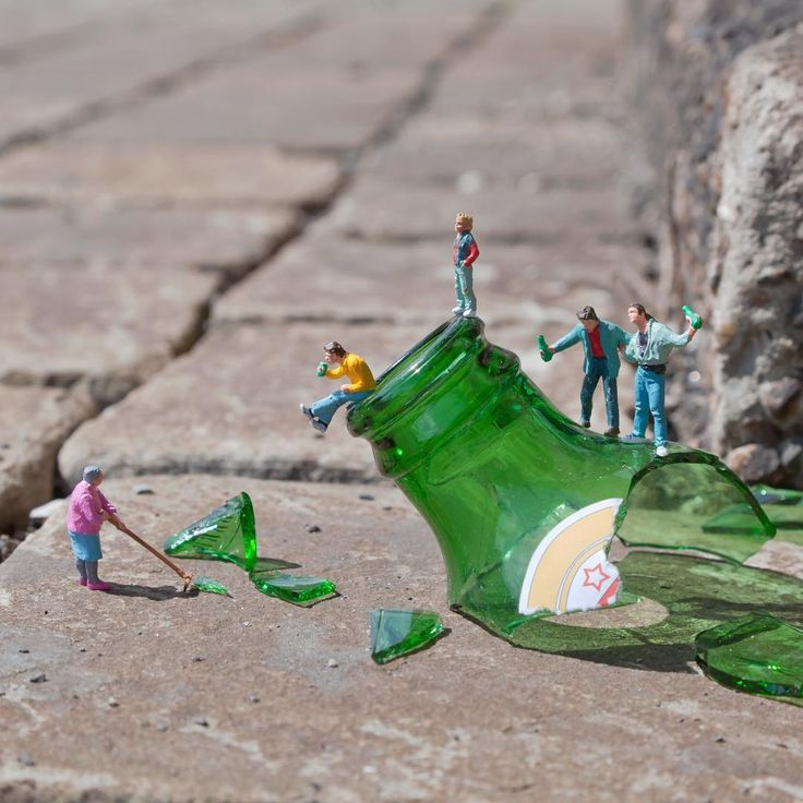 I'll be back in Belgium on Thursday night, showing new installations as part of Museum Night in Ghent. Head to the Museum of Fine Arts @mskgent to see works both inside and outside the museum. The works will then be on show inside over the weekend (if they survive the night!) #ghent #museumnight #slinkachu