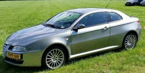 ALFA ROMEO GT d'occasion de 2004, 325 117 km à 1 999 €.