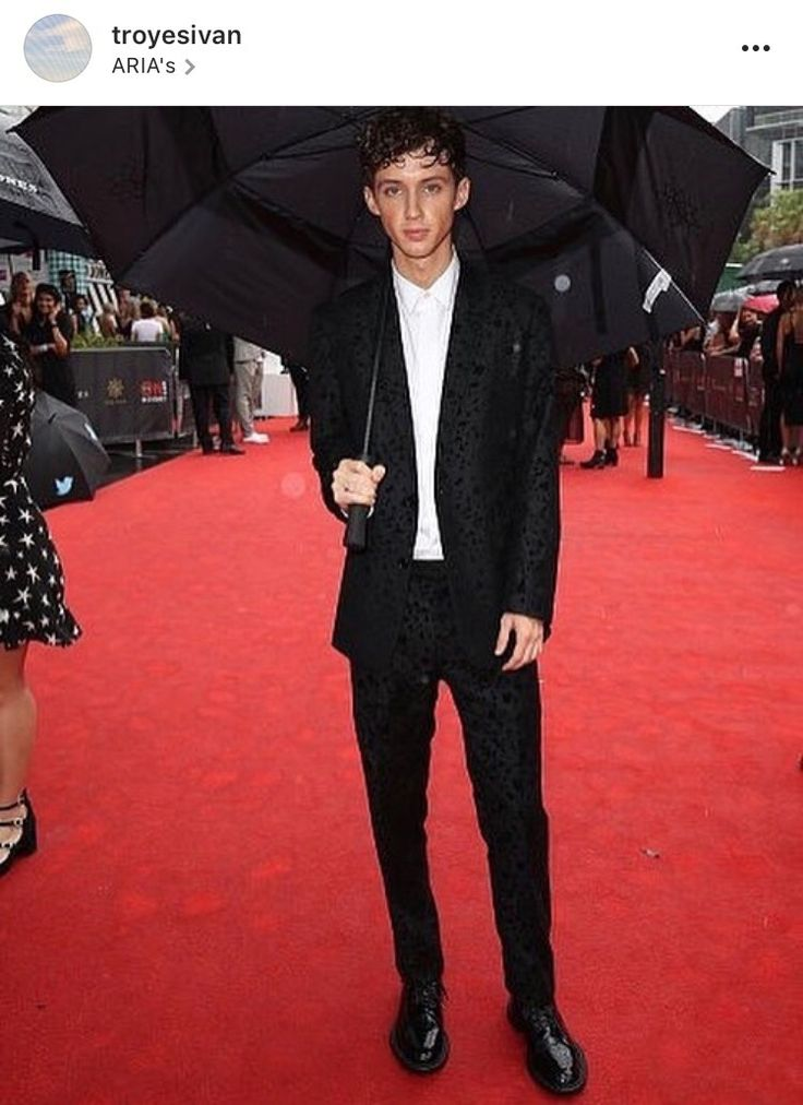 Arias with troye