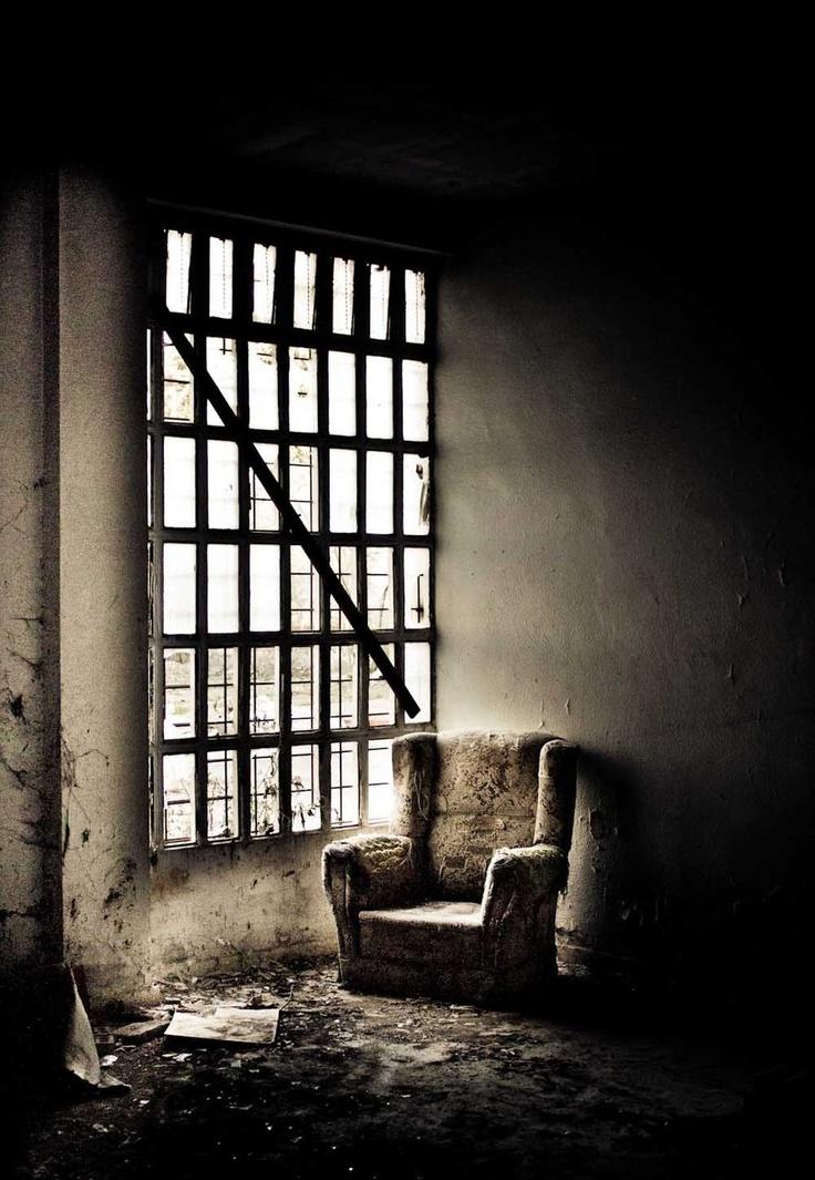Manicomio/Assylum by ~clalepa  배경-실내  Pinterest  배경