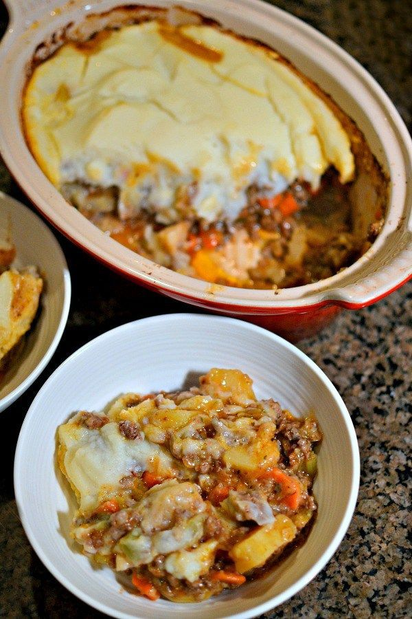 Whole30 Shepherd's Pie with Cauliflower Topping