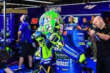 MotoGP: Valentino Rossi has shown a special Mugello helmet - video