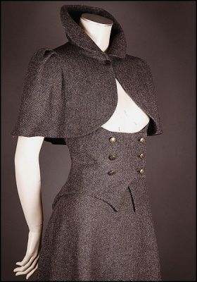 Vecona Collection Sherlock Cape and Skirt - It would be superb in a slightly purple grey suiting.
