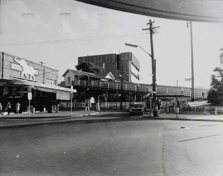 The White Elephant store next to Chatswood Railway Station in 1975.A♥W