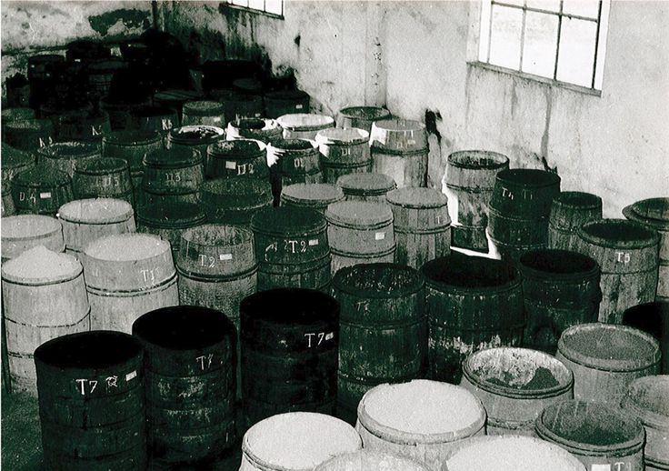 #Colors in #blackandwhite! #B&W #50s #60s #vintage #picture #factory #varnish #paints