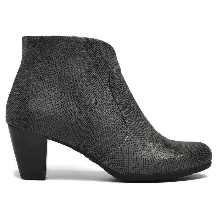 Wigana by Wonders #boot #boots #style #fashion #wonders #cinori