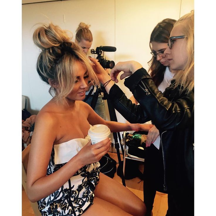 "Samantha Jade on Instagram: ""Behind the Scenes . At the #NINE shoot !! @jaydehairstylist @monicagingold_beauty"""