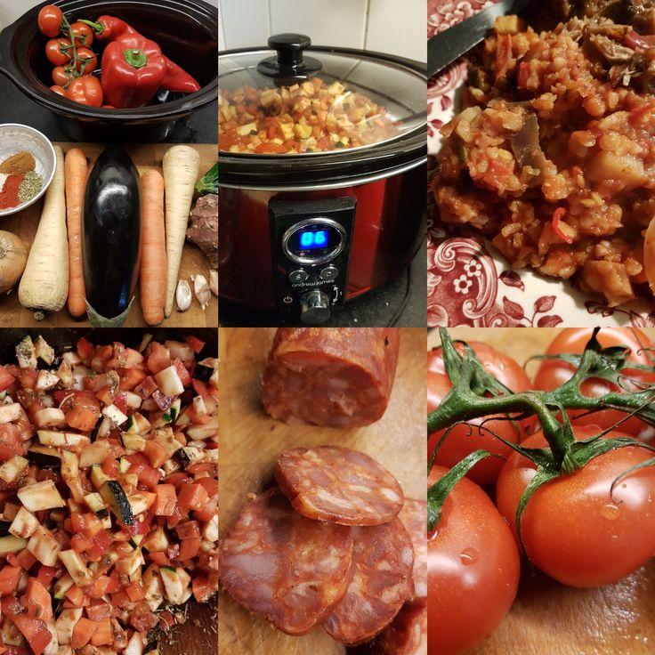 1 aubergine, 1 rode paprika, kilo tomaten, 2 pastinaken, 1 ui, 2 aardperen, 1 zoete puntpaprika, 2 winterpenen, 1 courgette alles in kleine blokjes gesneden van 1 cm Je kunt eigenlijk veel groentes…