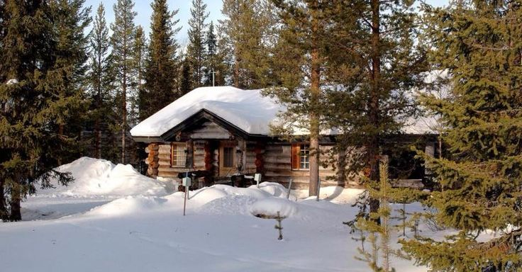 There is no doubt a #LogCabin is a thing of beauty, #WoodStain will help maintain it's natural beauty. #DefyStain http://www.deckstainhelp.com/best-wood-stains-for-a-log-cabin/