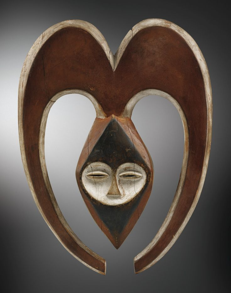LOT SOLD. 391,500 EUR   14 DEC 2016 | PARIS  kwele masque ||| mask/headdress ||| sotheby's pf1638lot8xkdhen