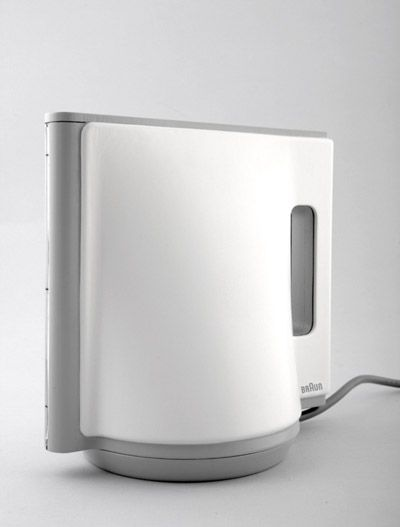 Kettle witch combines three basic shapes: Triangle, Square and Circle - designed by Emi Schenkelbach for Braun