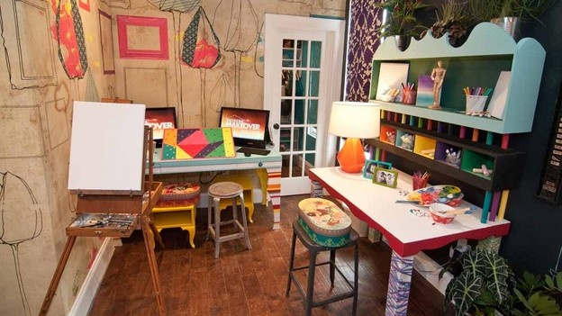 Kids arts and crafts room