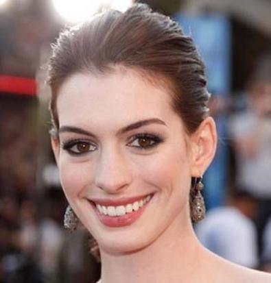 Trucco perfetto per occhi grandi, come Anne Hathaway