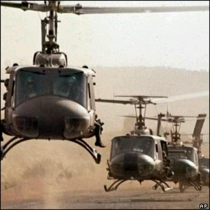 UH-1E Hueys