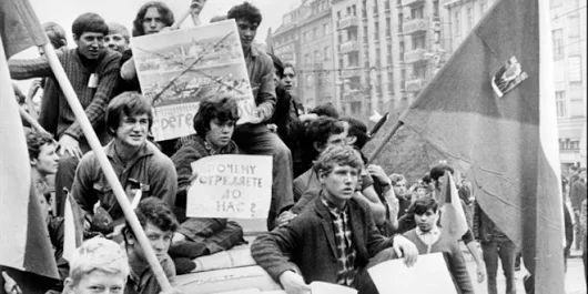 VIDEO: Únia si pripomína deň slobody tlače, jej obmedzením sa končí aj samotná demokracia - EuropskeNoviny.sk