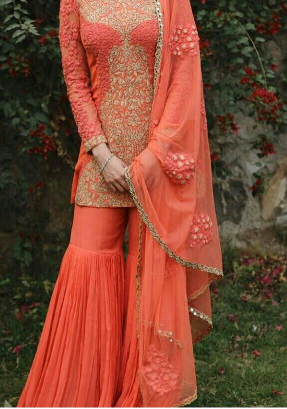 04e122b682 Love to wear dis outfit...and colour | garara♡ | Pakistani dresses, Indian  designer wear, Gharara designs