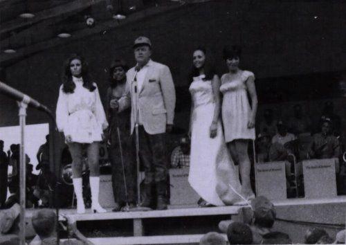Bob Hope Christmas show, Da Nang, 1967