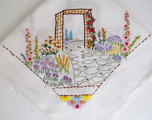 Vintage Pretty Garden Birds Floral Linen Hand Embroidered Table Cloth Tablecloth
