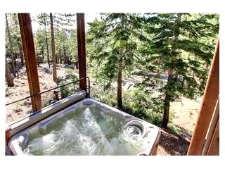 Picturesque House with 5 BR-6 BA in South Lake Tahoe (HV22) - Image 21 - South Lake Tahoe - rentals