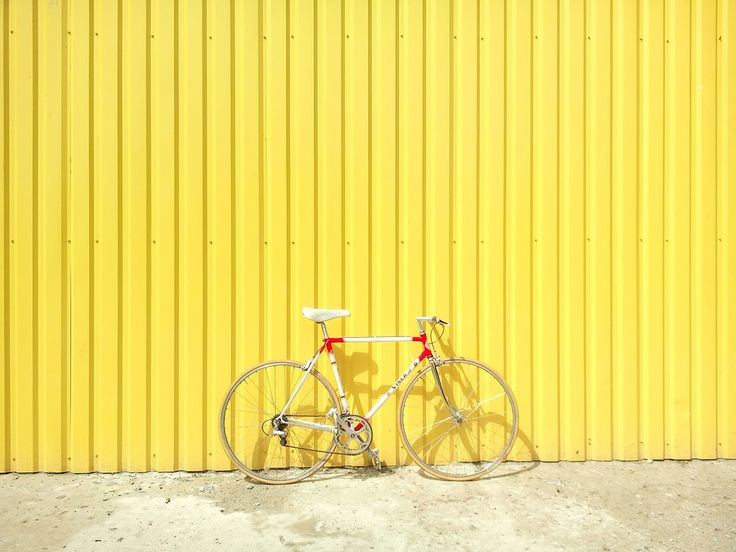 Descargar foto gratis de una bicicleta de carreras > http://imagenesgratis.eu/imagen-gratis-de-una-bicicleta-de-carreras/
