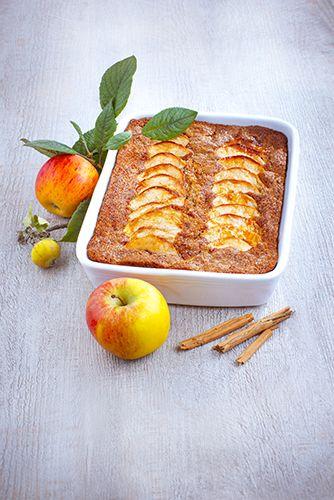 Un gâteau aux pommes pour les goûter conviviaux.  Réalisé avec le robot Masterchef Gourmet de Moulinex.  #MarielysLorthios #Photographe