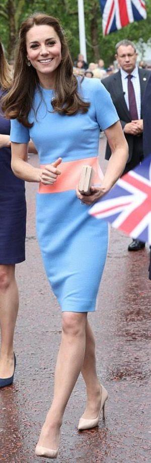 Who made  Kate Middleton's blue short sleeve dress?
