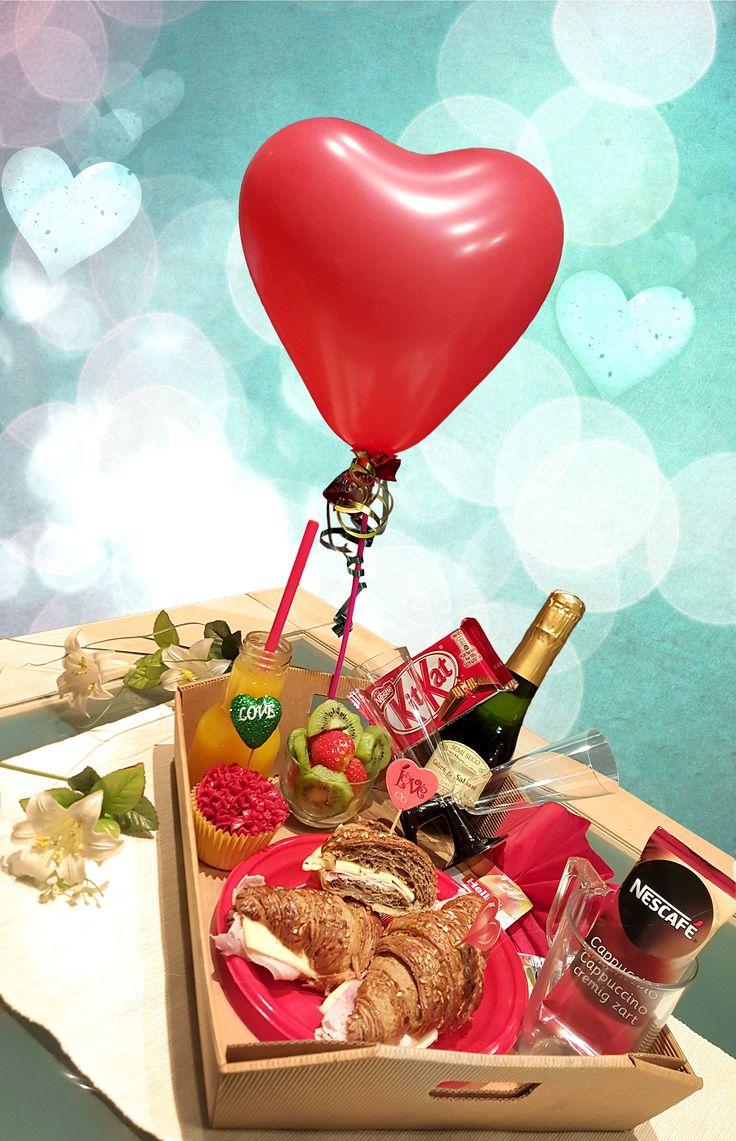 Lovin Cook, desayunos y meriendas a domicio. Una sorpresa para tus seres queridos. Tartas y mesas dulces. Catering en general. Regala un detalle especial para sorprender en El día del Amor y la Amistad. Pedidos al 615.185.628. En Lovin Cook, El Amor esta en el Aire!!!