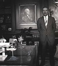 Our Net Worth...it's 1992 all over; Ross Perot:  Middle Class Net Worth Drop 38% over 3 years, to Level Early '90s level; bright side we are on track to meet income levels of '50's in 6 yrs reducing CO2 to sustainable levels http://nyti.ms/Lvidhp