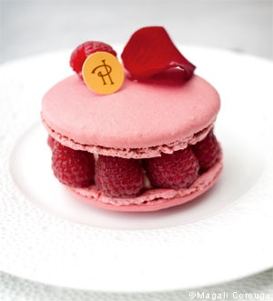Ispahan Macaron - Pierre Herme